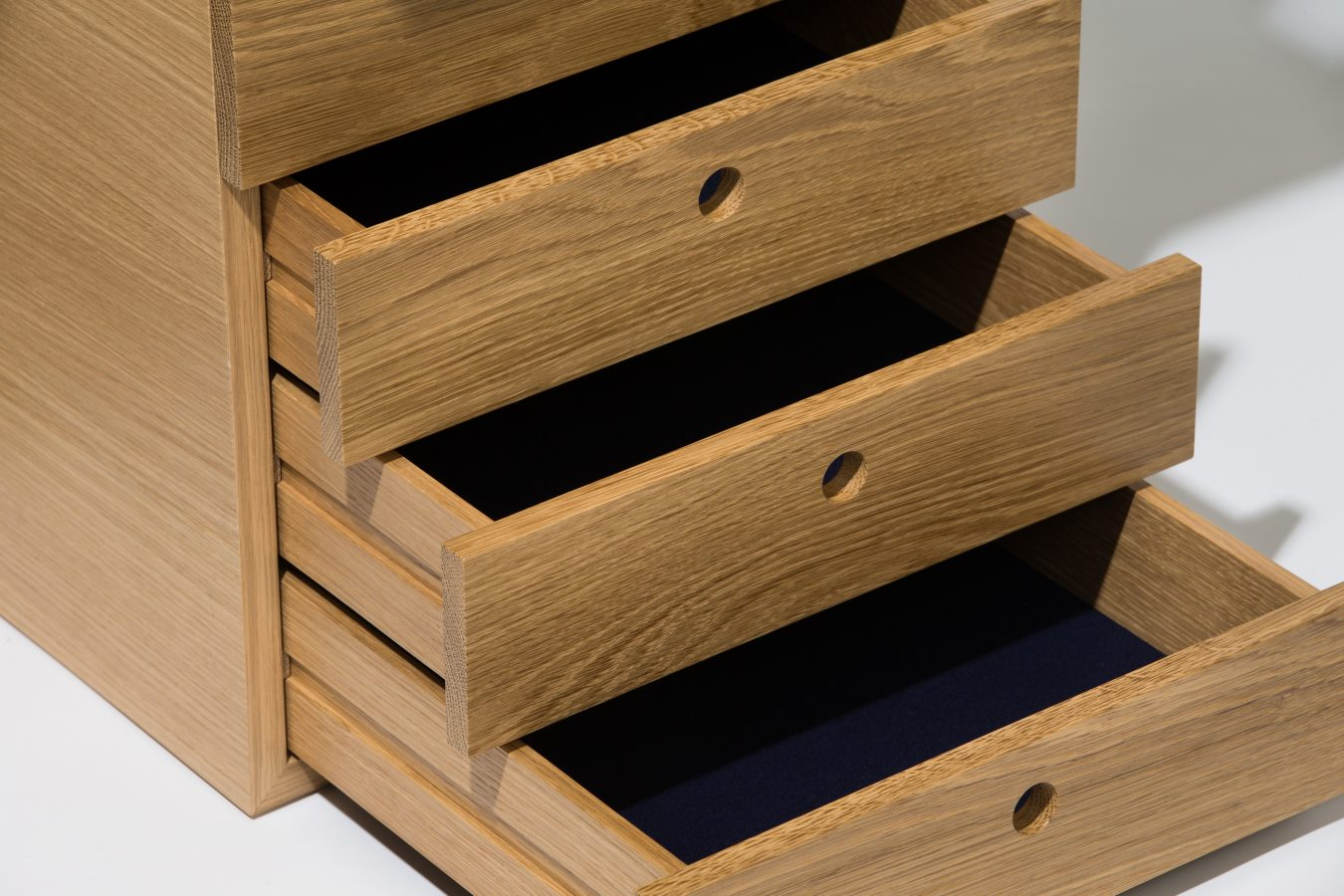 oak executive desk detail 3